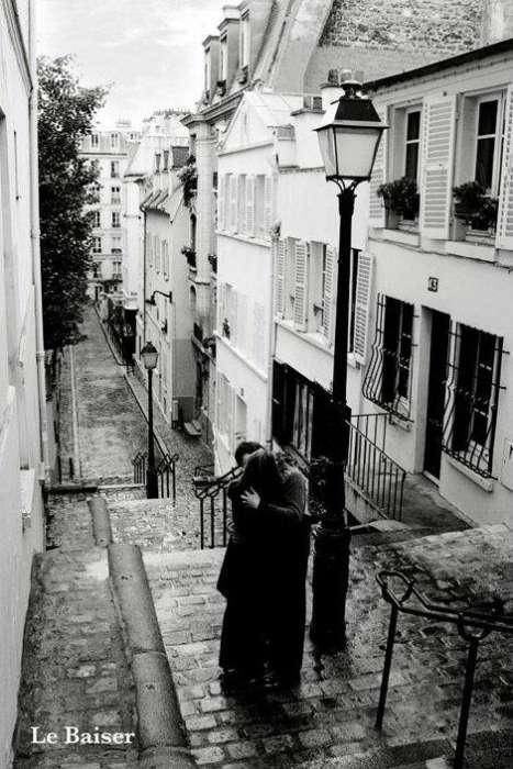 Le Baiser (The Kiss) - P225