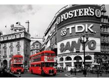 Piccadilly Circus (London Red Buses) - P247